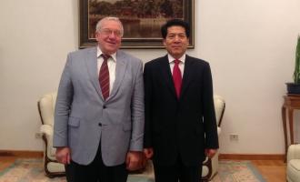 Встреча А. А. Кокошина с послом КНР Ли Хуэем