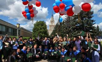 Вручение дипломов выпускникам ФМП